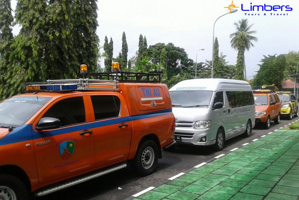 Hiace w/ TNI AU & AU USA