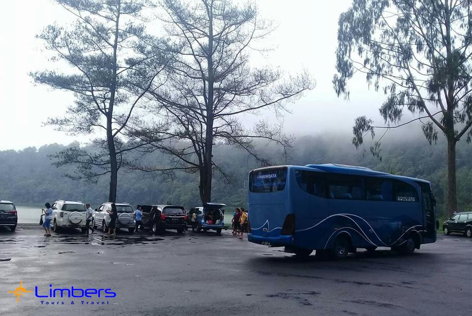 Bus 29seats @Danau Linow