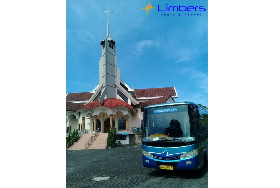Bus 29seats @Gereja Katolik Hati Kudus Yesus Karombasan